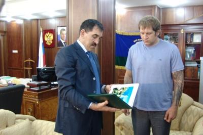Юнус–Бек Евкуров и Александр Емельяненко