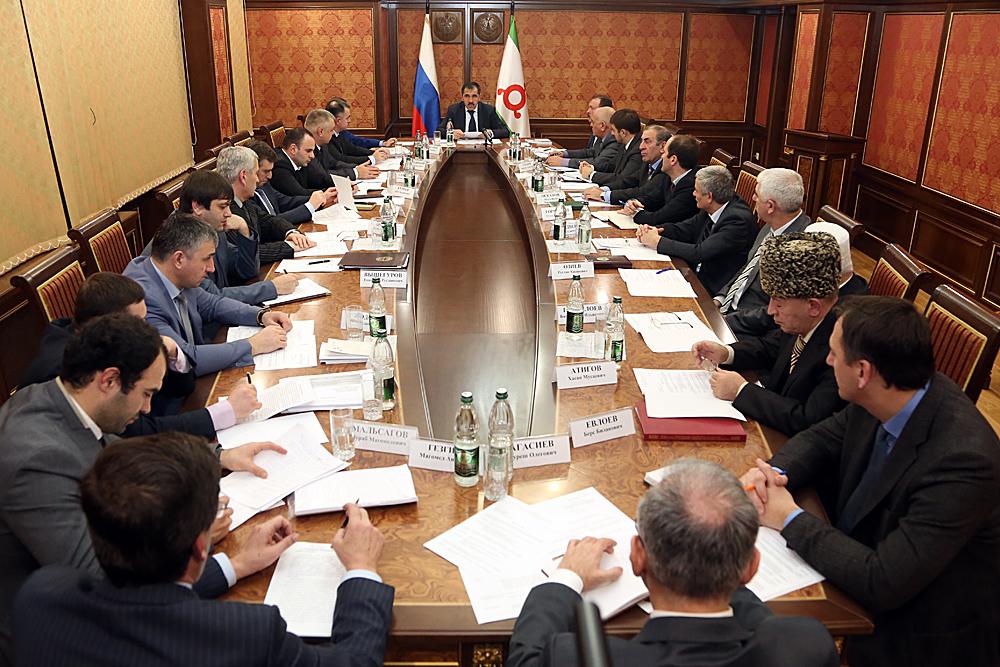 Глава Ингушетии призвал органы власти республики усилить меры по профилактике и борьбе с коррупцией