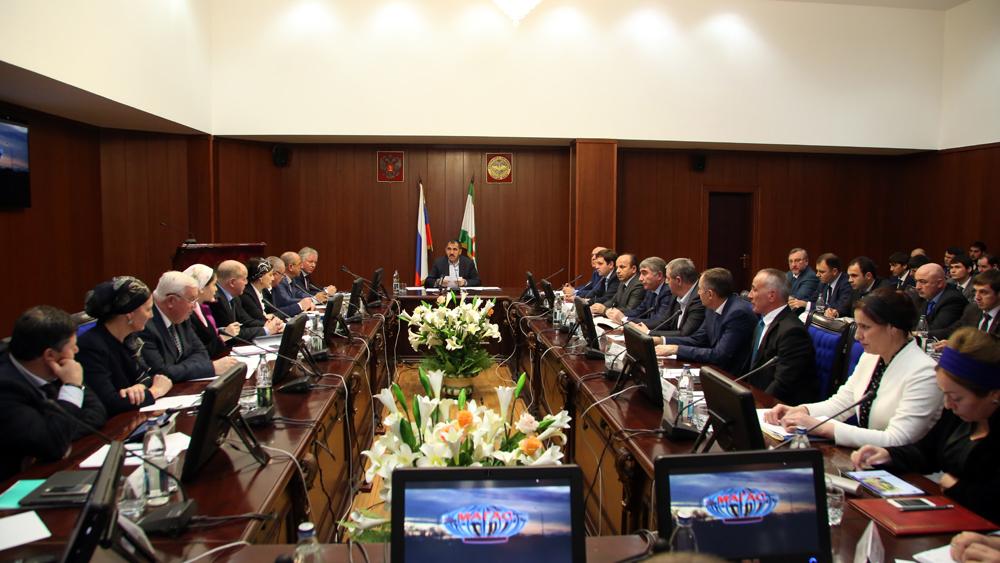 По просьбе Руслана Аушева все мероприятия связанные с празднованием его 60-летнего юбилея будут отменены