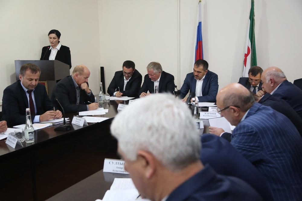 Руководитель Ингушетии поздравил сюбилеем известного корреспондента Хаву Абадиеву