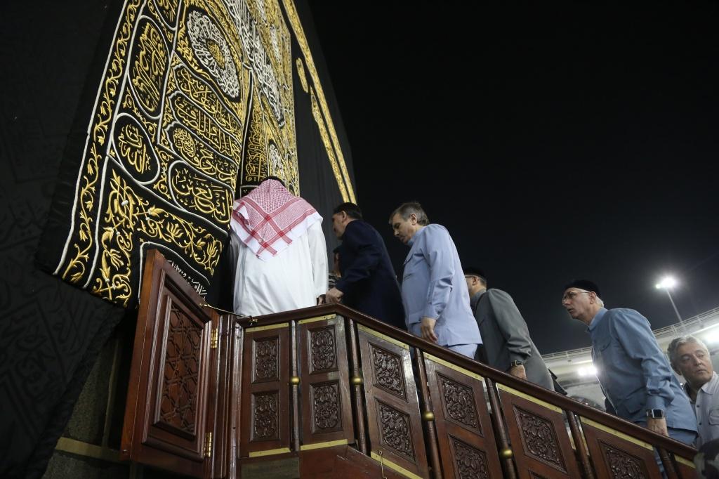 Священная Кааба распахнула свои двери перед главой Ингушетии в небольшой хадж